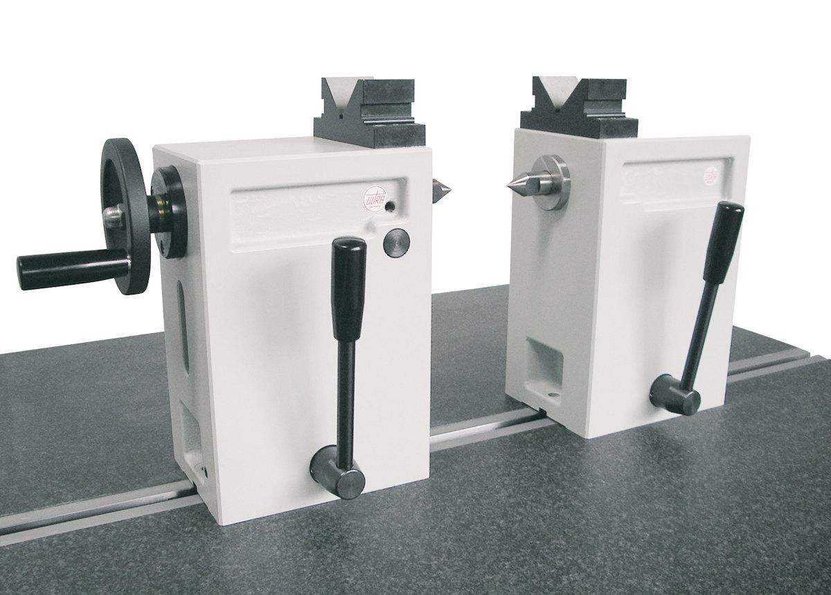Reitstöcke-Paar aus Spezialguss mit Handrad, Prismenaufsatz H = 100 mm
